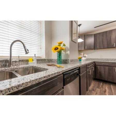 Modern Kitchen | ISU Off Campus Apartments | Smallwood Plaza