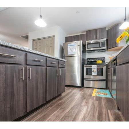 Elegant Kitchen | Apartments Near ISU Bloomington | Smallwood Plaza