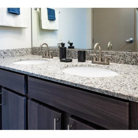 Spacious Bathroom | ISU Off Campus Apartments | Smallwood Plaza