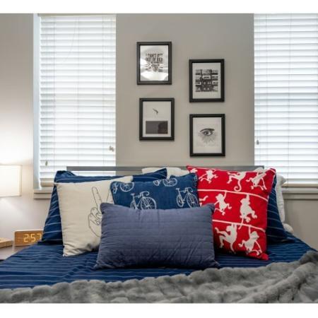 Vast Bedroom | ISU Campus Apartments | Smallwood Plaza