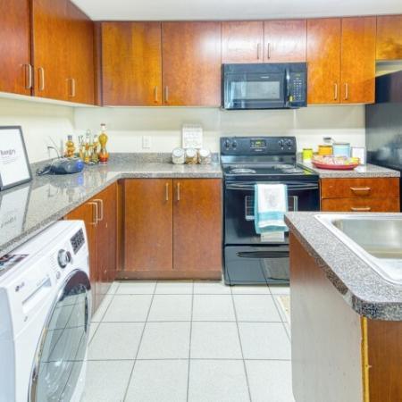 luxury kitchen | 100 Midtown Apartments in Atlanta, GA