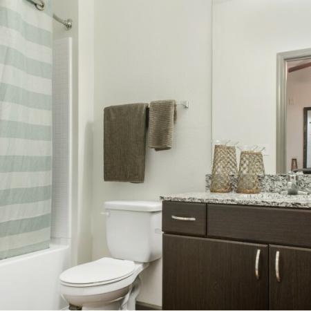 private bathroom at tallahassee apartments fsu