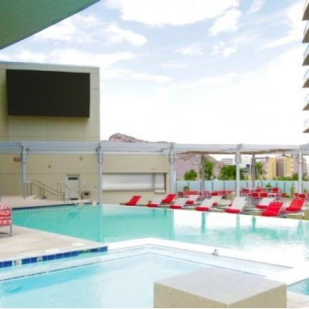 pool at west 6th tempe apartments