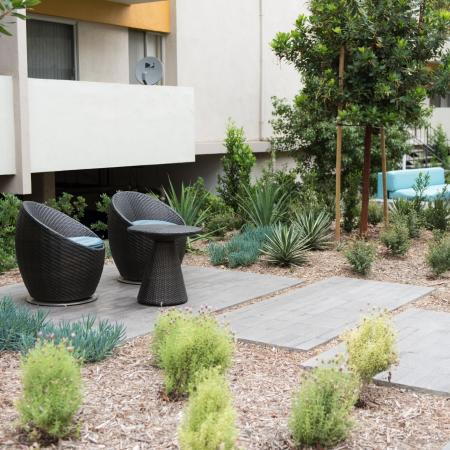 Apartments in Ktown for Rent - The Chadwick Courtyard