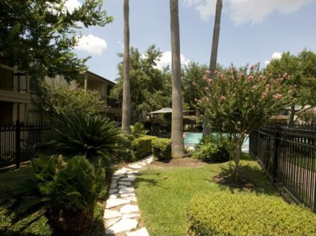 Silverado | Apartments For Rent in Houston, TX | Landscaped Courtyard