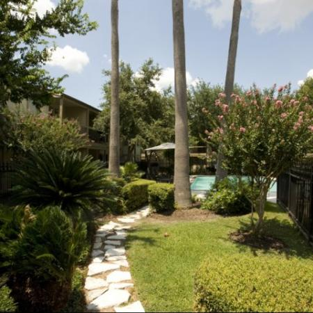 Silverado   Apartments For Rent in Houston, TX   Landscaped Courtyard
