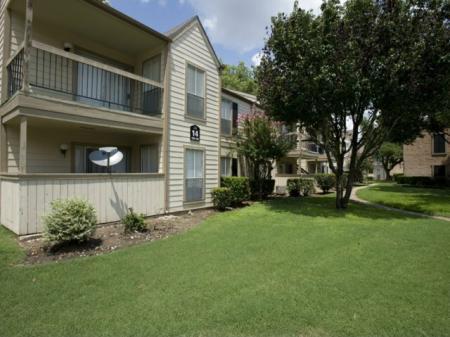 Silverado | Apartments For Rent in Houston, TX | Private patios