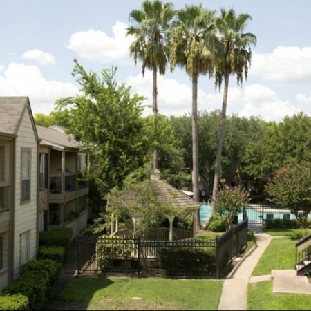 Silverado   Apartments For Rent in Houston, TX   Gazebo and Courtyard