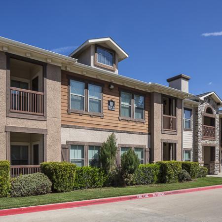 Building Exterior   Rock Ridge Apartment Homes Arlington, TX