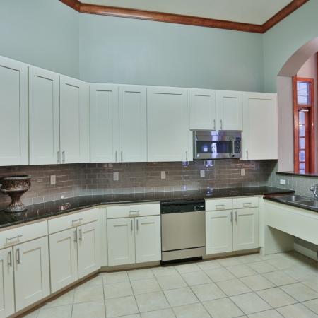 The Manor of Arborwalk | Apartments for Rent in Lee's Summit, Mo | Clubhouse Kitchen