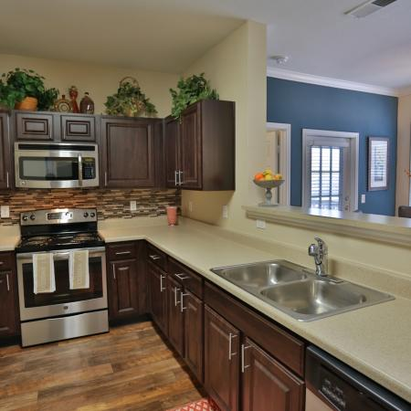 The Manor of Arborwalk | Apartments for Rent in Lee's Summit, Mo | Kitchen