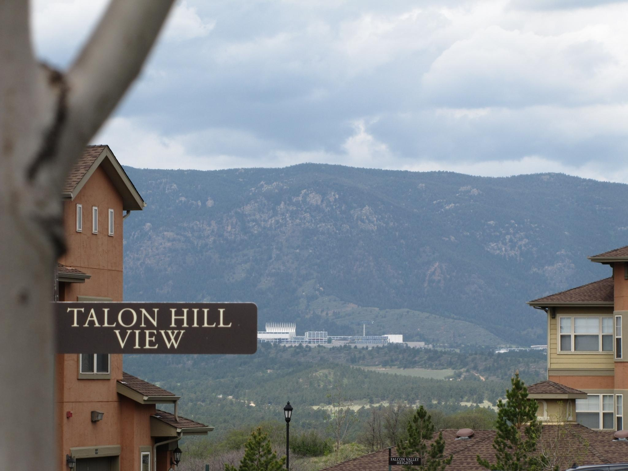 Talon Hill Apartment Homes Apartments For Rent In Colorado Springs