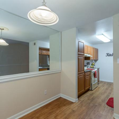 Silverado   Apartments For Rent in Houston, TX   Mirrored Accent Wall