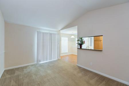 Silverado | Apartments For Rent in Houston, TX | Living Room