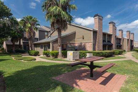 Enclave at Cypress Park | Apartments For Rent Houston, TX | Picnic Area