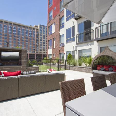Social Lounge with WiFi Cafe| Via Apartments | Apartments for Rent in Denver, CO