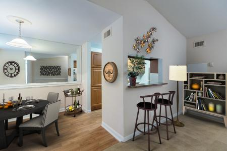 Silverado Apartments in Houston, Kitchen and Dining