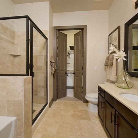 Walk-In Showers w Separate Soaking Tubs