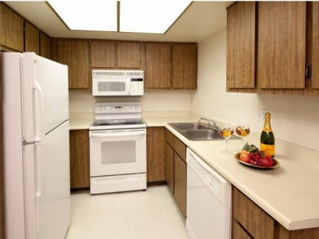 Kitchen at Townhomes On The Park in Phoenix, AZ