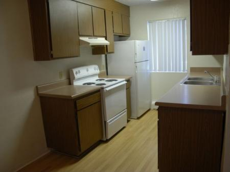 Aspen Leaf Apartments kitchen in Flagstaff, AZ