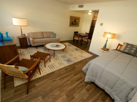 Continental Apartments Phoenix, AZ living room