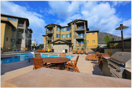 Elevation Apartments pool area and patio in Flagstaff, AZ