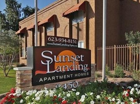 Sunset Landing Apartments Tucson, AZ signage