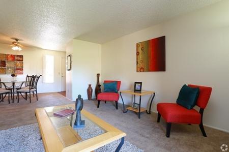 Living room at Sunrise Ridge Apartments in Tucson, AZ