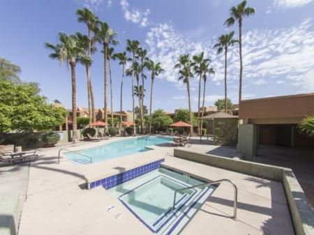 Pool and spa at Regency Square in Yuma, AZ