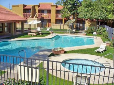 Poolpatio at Acacia Pointe Apartments in Glendale, AZ