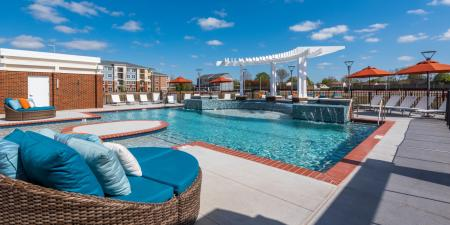Swimming Pool   Infinity at Centerville Crossing