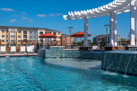 Sparkling Pool   Infinity at Centerville Crossing