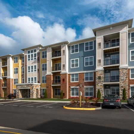 Apartment Exterior | Infinity at Centerville Crossing