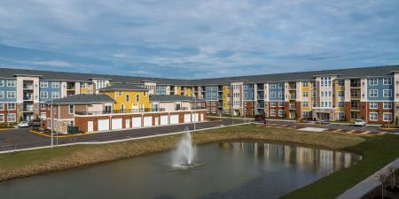 Expansive Grounds   Infinity at Centerville Crossing