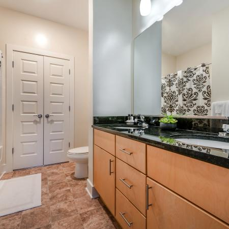 Luxurious Master Bathroom | Infinity at Centerville Crossing