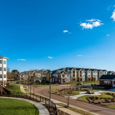 Gorgeous Hampton Community | Pinnacle Apartments