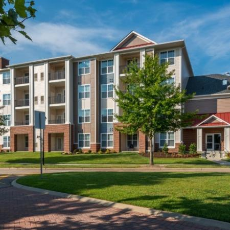 Luxury Community Apartment Homes | Pinnacle Apartments