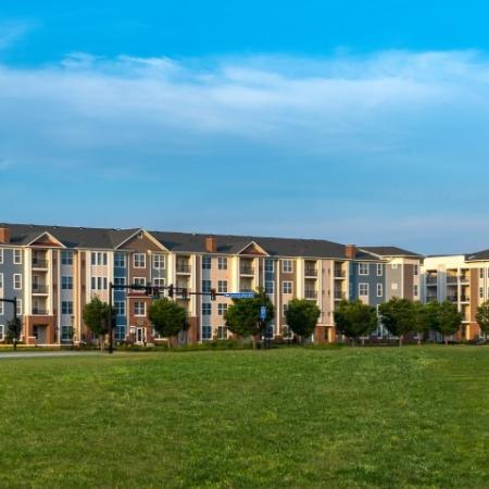 Luxury Community in Hampton | Pinnacle Apartments