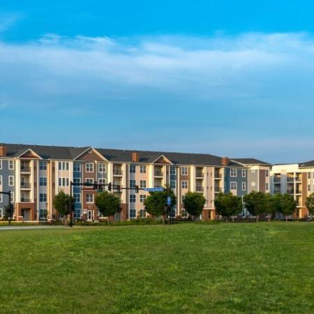 Luxury Community in Hampton | Pinnacle Apartments