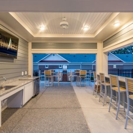 Outdoor Grilling Station | Pinnacle Apartments