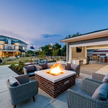 Social Fire Pit | Pinnacle Apartments