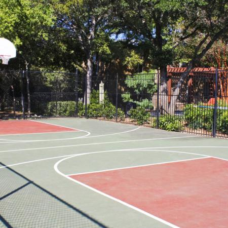 Tennis court | Basketball court | Northland at the Arboretum
