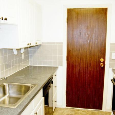 Tatnuck Arms 1 bedroom apartment kitchen