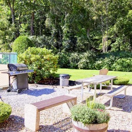 Tatnuck Arms outdoor space with grill and picnic table | Worcester rentals