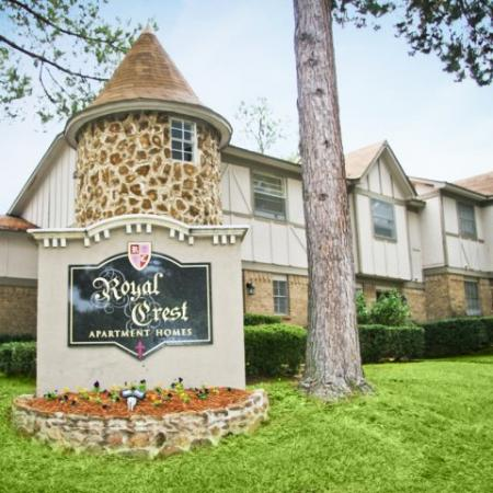 Royal Crest apartment homes entrance in Tyler TX