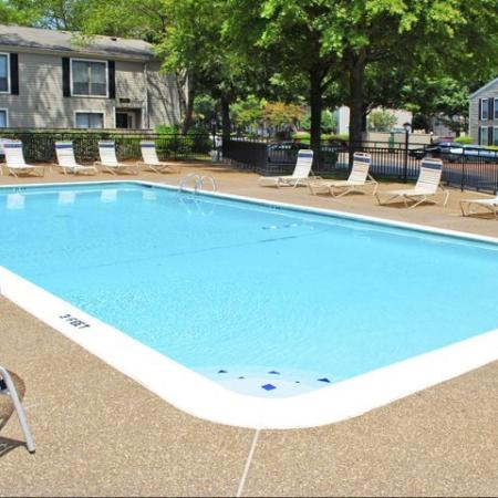 Memphis apartment complex with pool
