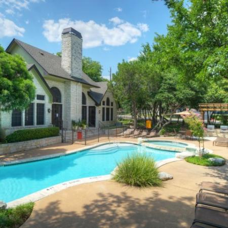 Apartment pool and seating | Austin apartments