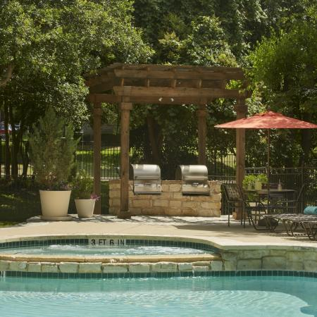 Pool and spa | Museo apartments in Austin