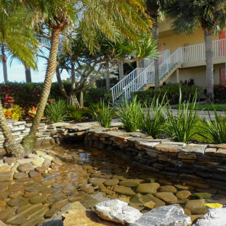 Apartment landscaping | Melbourne FL | Lakeside at Greenboro