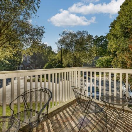 Large private balcony   1 bedroom apartment